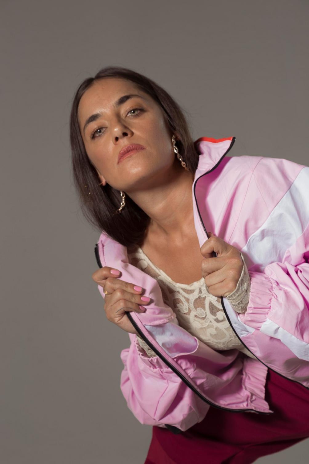 La cantante destaca la fuerza de las mujeres que hacen música urbana latina, como Nathy Pelusso.