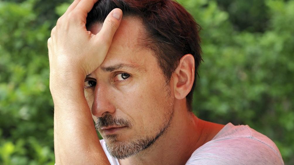Carlos Casella con canciones de varios géneros
