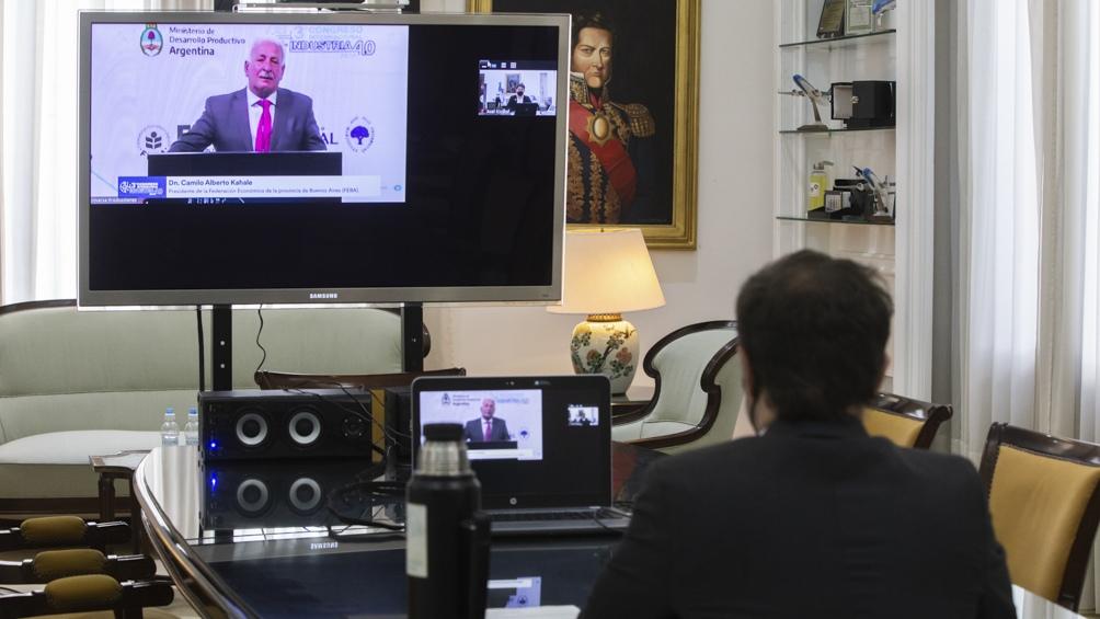 """Kicillof apuesta a un """"Estado inteligente y no agobiante"""""""