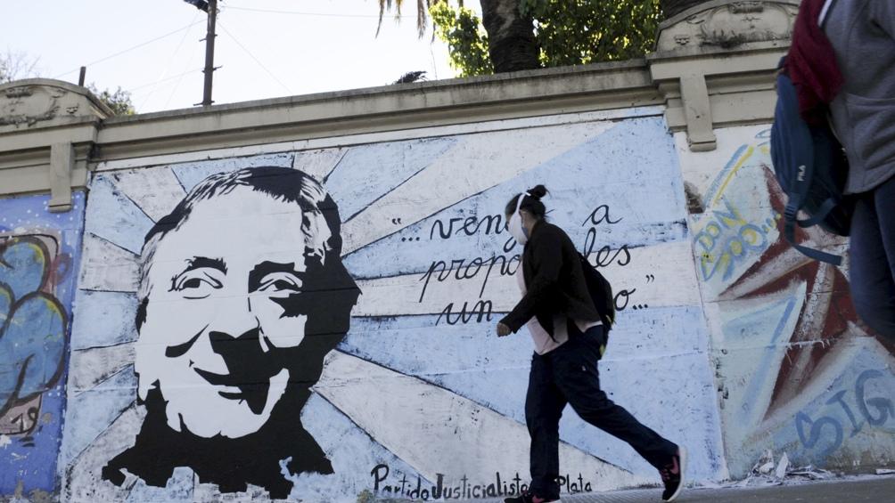 Mural en homenaje a Néstor Kirchner en La Plata