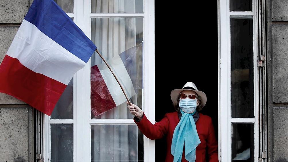 Francia liberará restricciones con un ojo puesto en las presidenciales de 2022