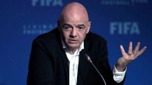 El presidente de la FIFA ratificó el rechazo a la Superliga europea y reiteró el apoyo a la UEFA
