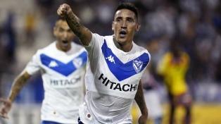 Vélez recibe a Peñarol, en un duelo de equipos con historia copera