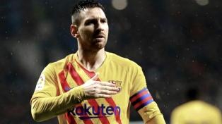Barcelona, con Lionel Messi, venció sobre la hora a Valladolid y se ubicó a una unidad de la punta