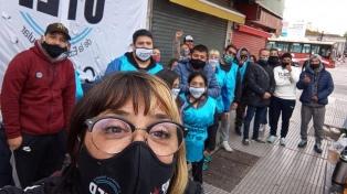 """Denuncian que """"reprimieron"""" a trabajadores ambulantes que hacían huelga de hambre en Liniers"""