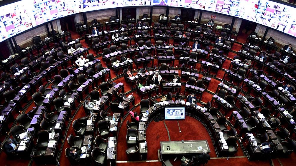 Noventa legisladores Juntos por el Cambio y el Partido de la Justicia Social se pronunciaron por la abstención.