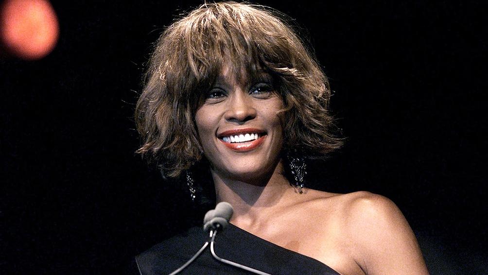 """""""Whitney Houston"""", su álbum debut de 1985, ya es 13 veces platino."""