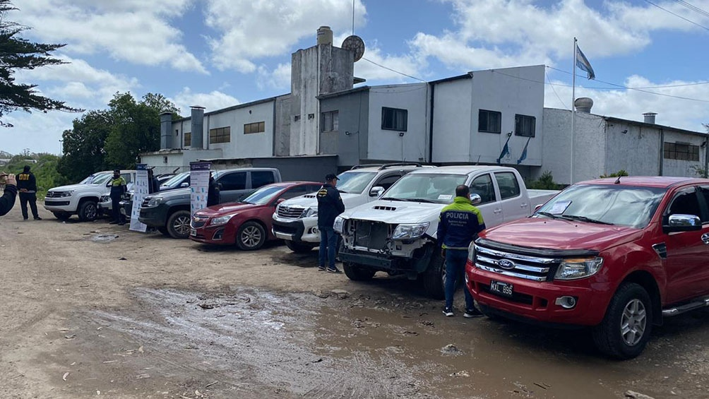 Los ocho vehículos secuestrados están valuados en 35 millones de pesos.