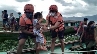 El tifón Goni deja al menos 10 muertos y cerca de 400.000 evacuados en Filipinas