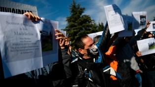 España: protesta de trabajadores sanitarios en defensa de la salud pública