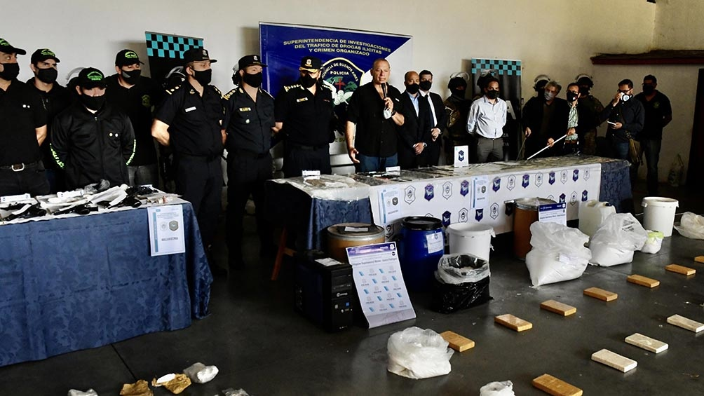 """Se logró desbaratar un laboratorio que transformaba pasta base en cocaína"", dijo Berni"
