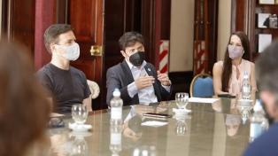 Kicillof evaluó con actores los protocolos sanitarios para habilitar los teatros bonaerenses