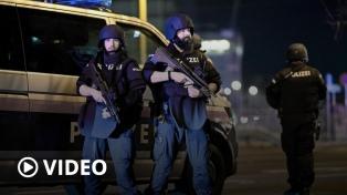 El Estado Islámico se atribuyó el atentado que dejó cinco muertos y más de 20 heridos en Viena
