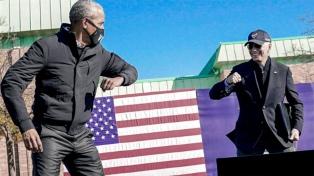 Biden �me hizo un mejor presidente�, dijo Obama y pidió votar por él