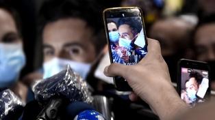"""""""Él es muy difícil, pero se va a quedar"""", dijo el médico de Maradona"""