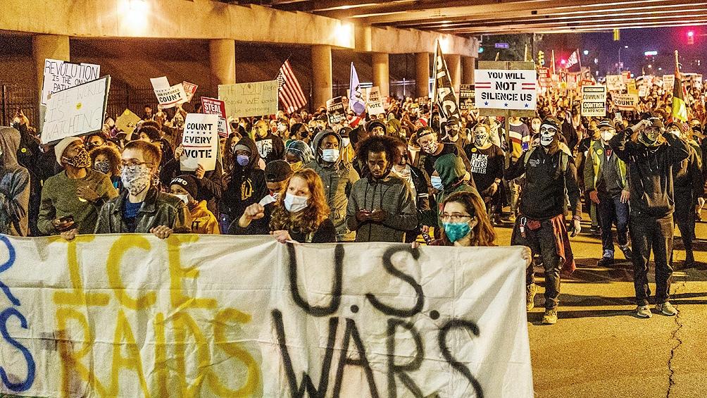 Las protestas se desataron después de que Trump insistiera, sin pruebas, en que había problemas en el recuento.