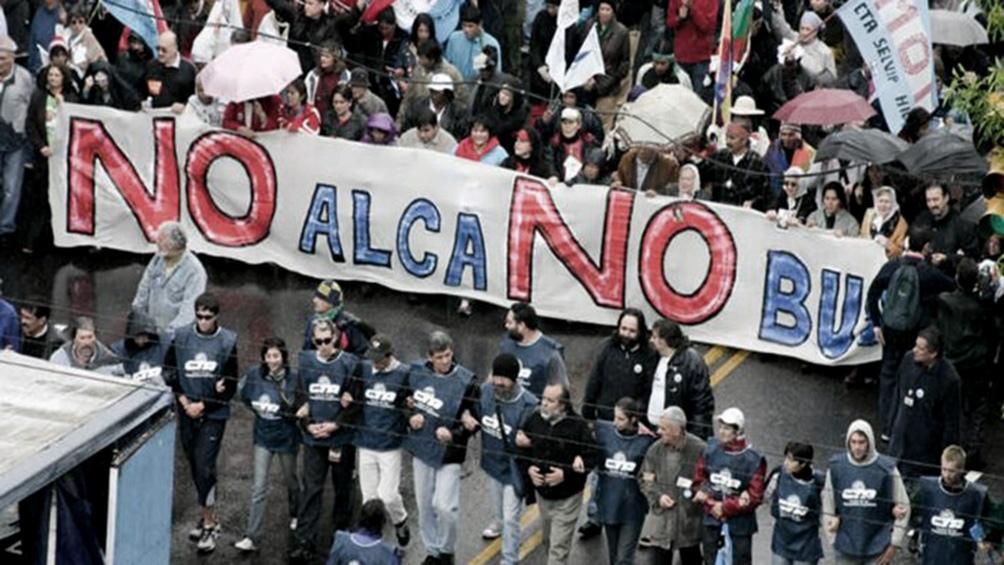 Movilizaciones en Mar del Plata acompañaron a los presidente latinoamericanos