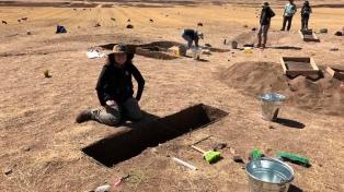 Investigadores descubren que hace nueve mil años las mujeres también cazaban