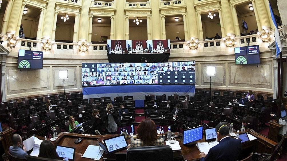 El plenario es conducido por la vicepresidenta Cristina Fernández de Kirchner.