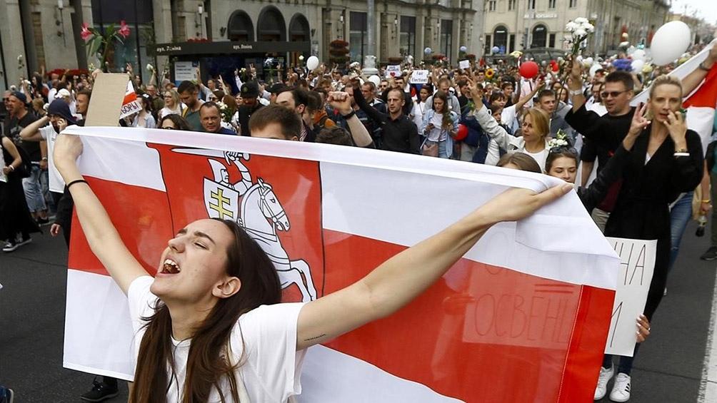 Desde el inicio de las protestas, la mayoría de los líderes de la oposición se exiliaron, como la rival en las presidenciales de Lukashenko.