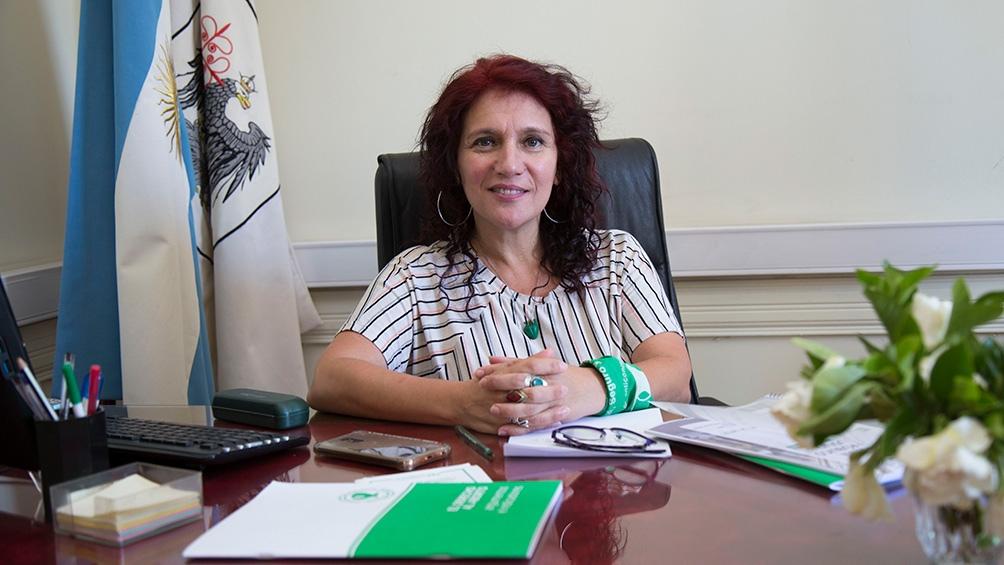 La legisladora pide llevar certidumbre a la sociedad porteña.