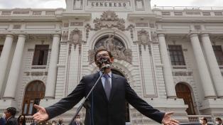El Congreso peruano aprobó una moción para inhabilitar a Vizcarra por 10 años
