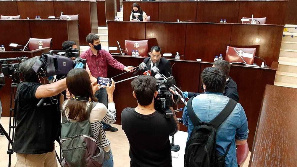 El proceso tiene un jurado popular.