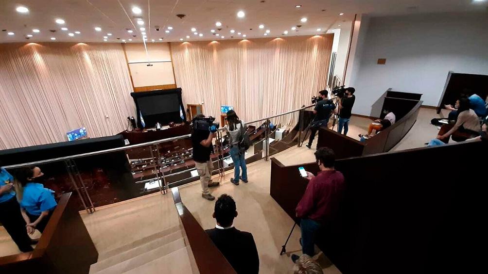 El juicio se realiza en la sede de la Legislatura para respetar los protocolos.