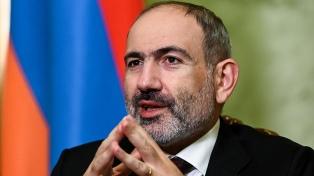 El primer ministro armenio dijo estar dispuesto a llamar a elecciones anticipadas