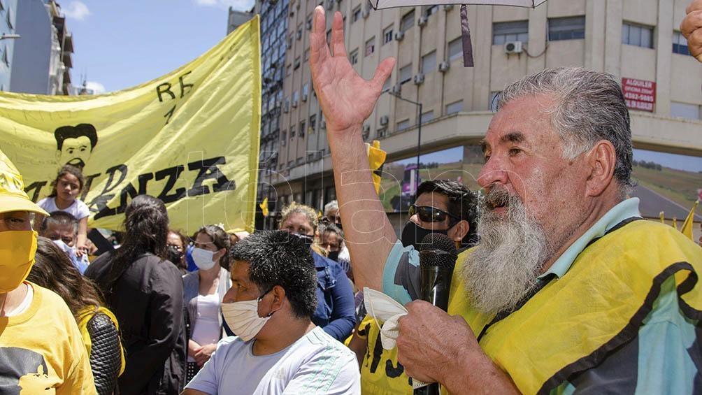 Los manifestantes reclaman asistencia alimentaria para comedores comunitarios.