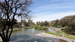 Jornada con cielo algo nublado en la Ciudad de Buenos Aires