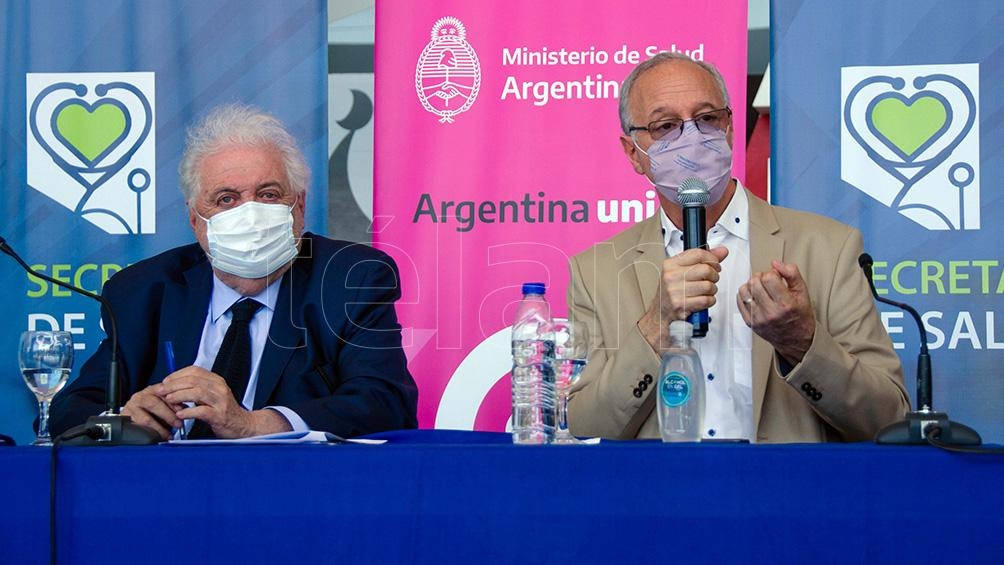 """La vacuna """"es una herramienta epidemiológica importante para la pandemia"""", dijo el ministro."""