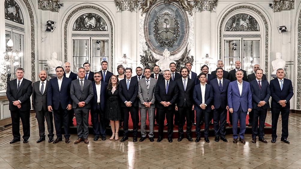 Un imagen del presidente con los gobernadores, en diciembre pasado.
