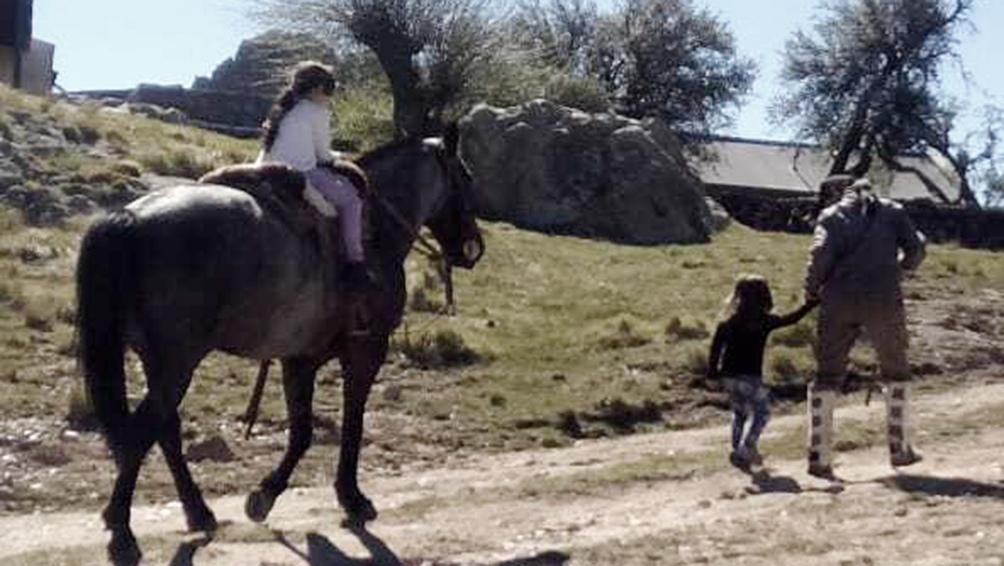 María Laura y sus hijas viven en Villa Carlos Paz, a 60 kilómetros de la Quebrada del Condorito.
