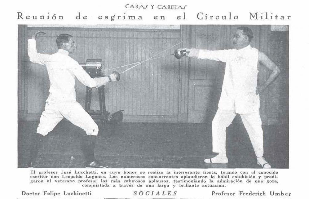 Una fotografía en la que Lugones participó en una exhibición de esgrima.