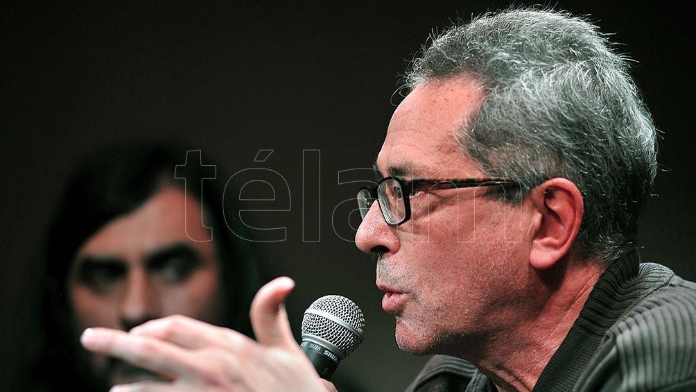 "César Aira, el autor de ""la guerra de los gimnasios"", presenta otra novela."