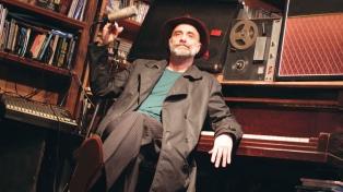 El cantautor urbano Alejandro Bettinotti recorre tres décadas de música en streaming