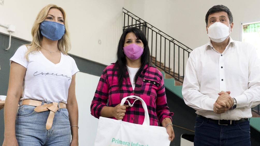 Yañez participó junto al ministro Arroyo de la firma de convenios del Plan Nacional de Primera Infancia.