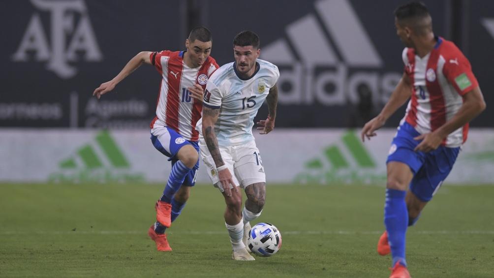 Argentina empezó perdiendo y empató con un cabezazo