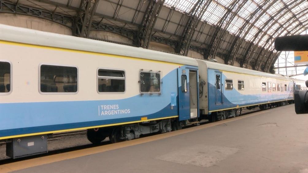 Los trenes deberán señalizar el lugar donde pueden viajar pasajeros parados, respetando las distancias.