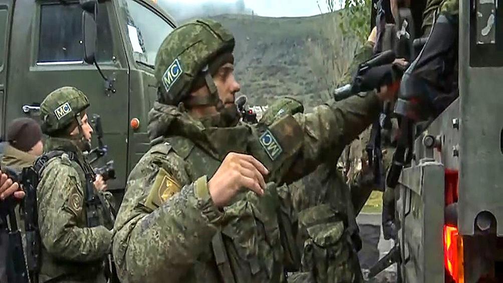 Rusia mantiene contacto permanente con las fuerzas armadas de Armenia y Azerbaiyá