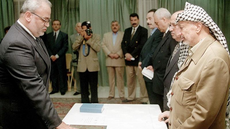 Saeb Erekat: un negociador muy respetado por Yasser Arafat