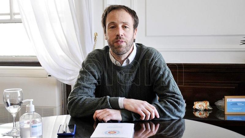 """Pablo López: """"Este Estado presente toma medidas para contener social y económicamente a la población"""""""