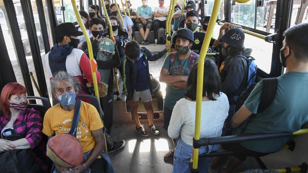 Los pasajeros habilitados a utilizar el transporte automotor y ferroviario continúan siendo los que tengan el Certificado Único Habilitante.