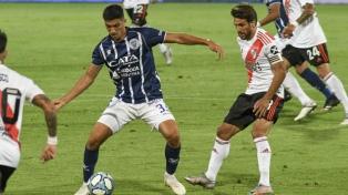 River le ganó a Godoy Cruz en Mendoza y se afianzó en la Copa