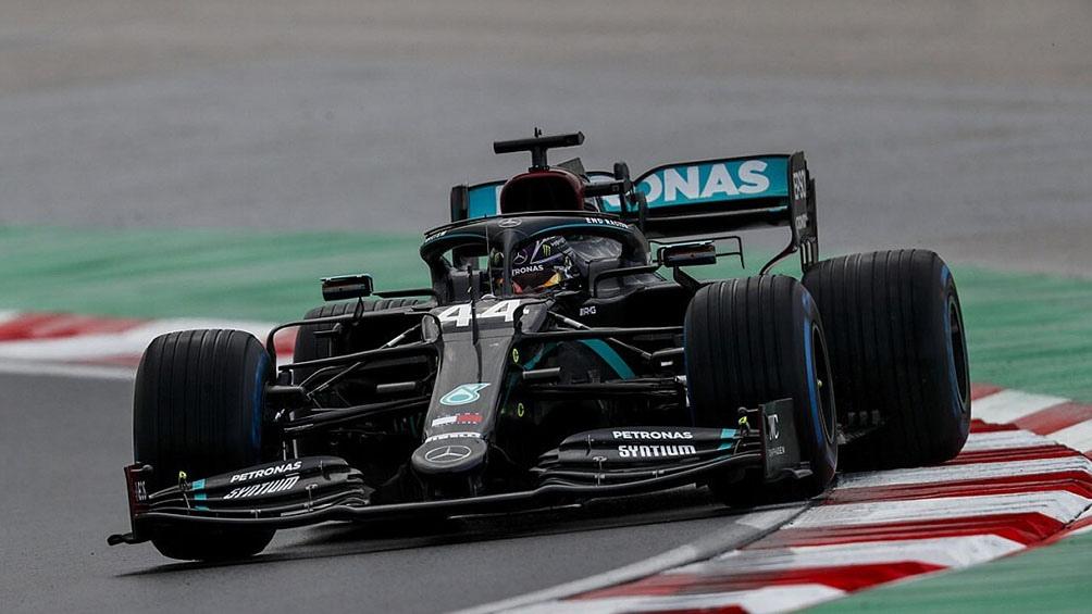 Hamilton partió desde el sexto puesto de la grilla y mantuvo una tenaz ofensiva para hacerse del liderazgo.