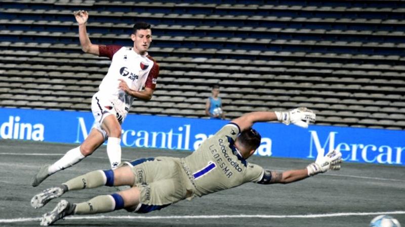 Colón venció Defensa y quedó cerca de la clasificación en la Copa