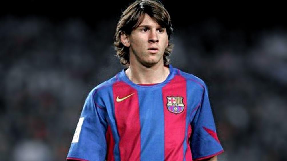 Su estreno oficial en octubre de 2004 durante un clásico contra el Espanyol.