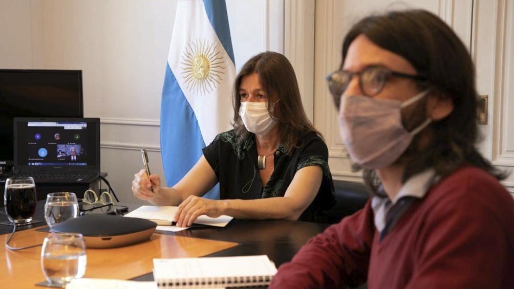 """Sabina Frederic, dijo hoy que """"está prohibido el turismo"""" durante el período de aislamiento estricto de nueve días."""