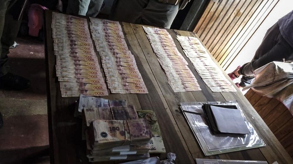 Dinero secuestrado en el operativo